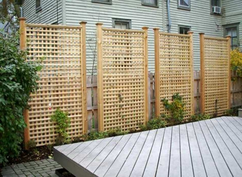 Picture of: Installing Fence Panels in Free Standing