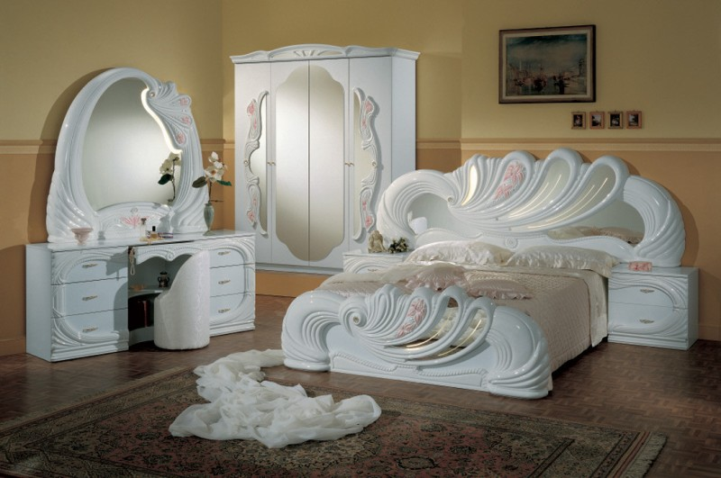 Italian Bedroom Set Design