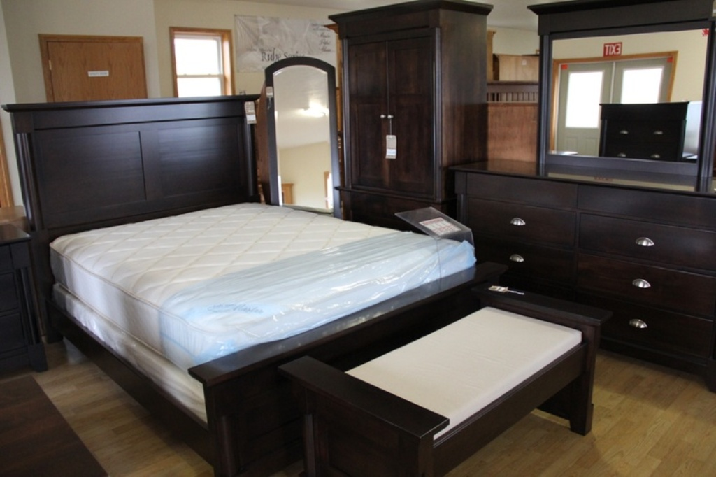 Jordan'S Furniture King Size Bedroom Sets