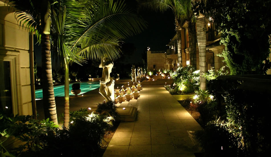 Picture of: Low Voltage Led Outdoor Lighting Idea
