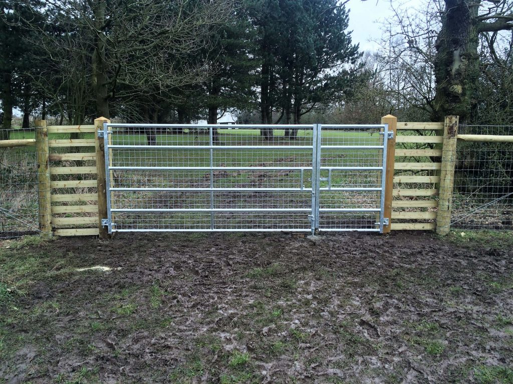 Image of: Mesh Metal Deer Fencing