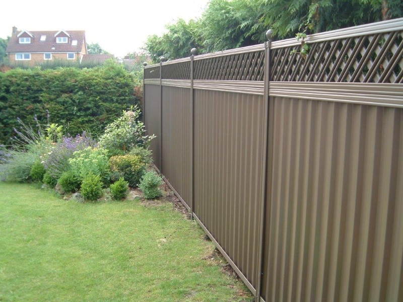 Picture of: Metal Garden Fencing Style