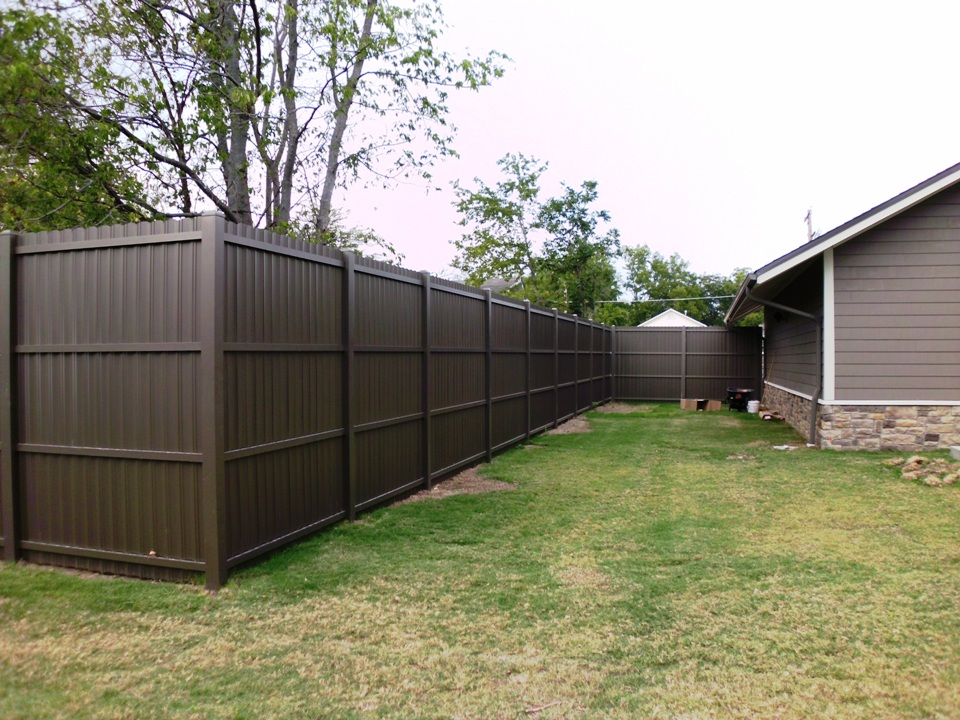 Image of: Metal Privacy Fence Cost