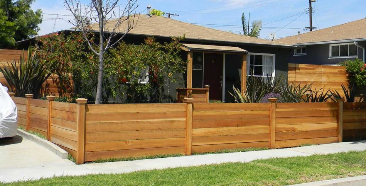 Picture of: Modern 4 Ft Wood Fence
