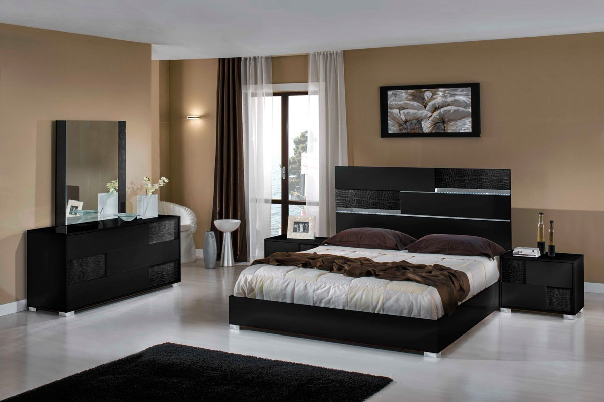 Image of: Modern Bedroom Furniture Sets Black