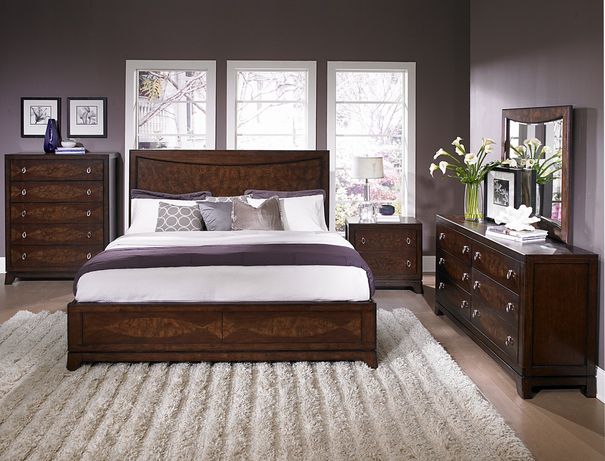 Image of: Modern Bedroom Furniture Sets Brown