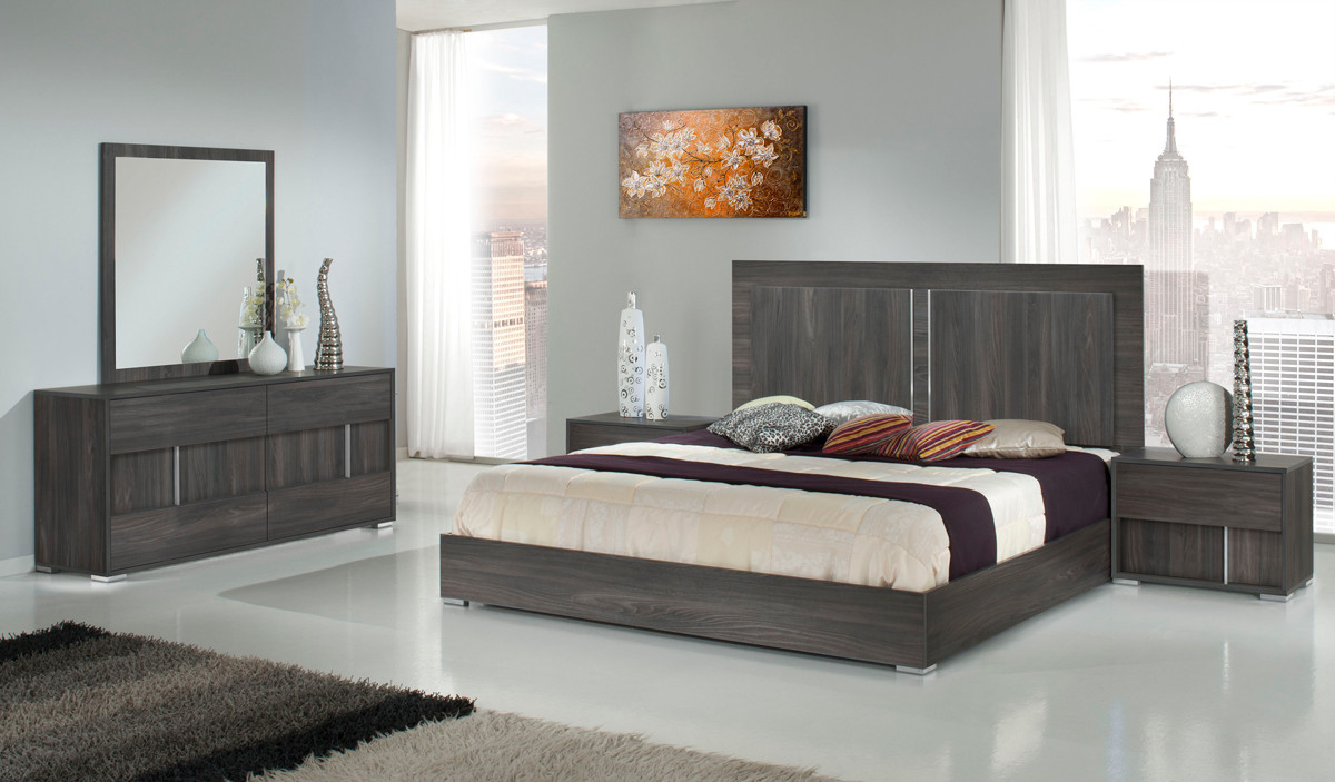 Image of: Modern Bedroom Furniture Sets Italian