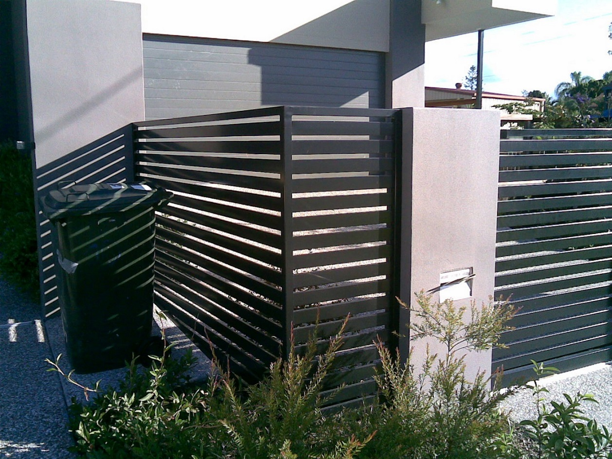 Picture of: Modern Horizontal Fence Panels