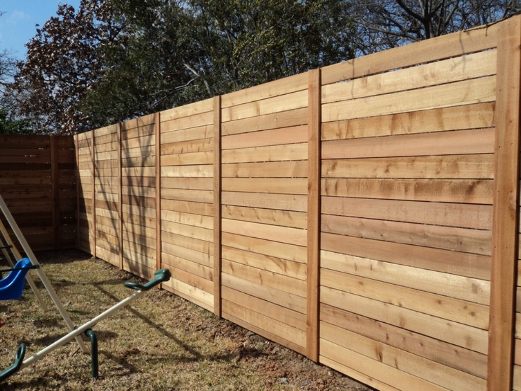 Picture of: Modern Wood Fence Easy
