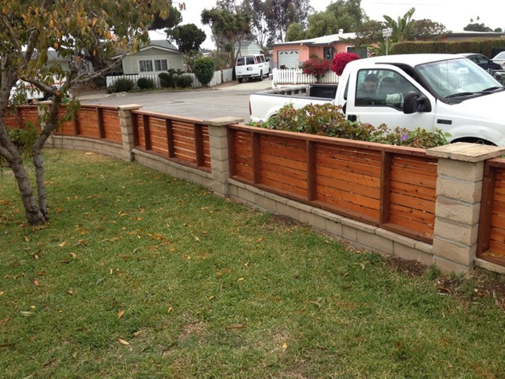 Picture of: Modern Wood Fence Modern
