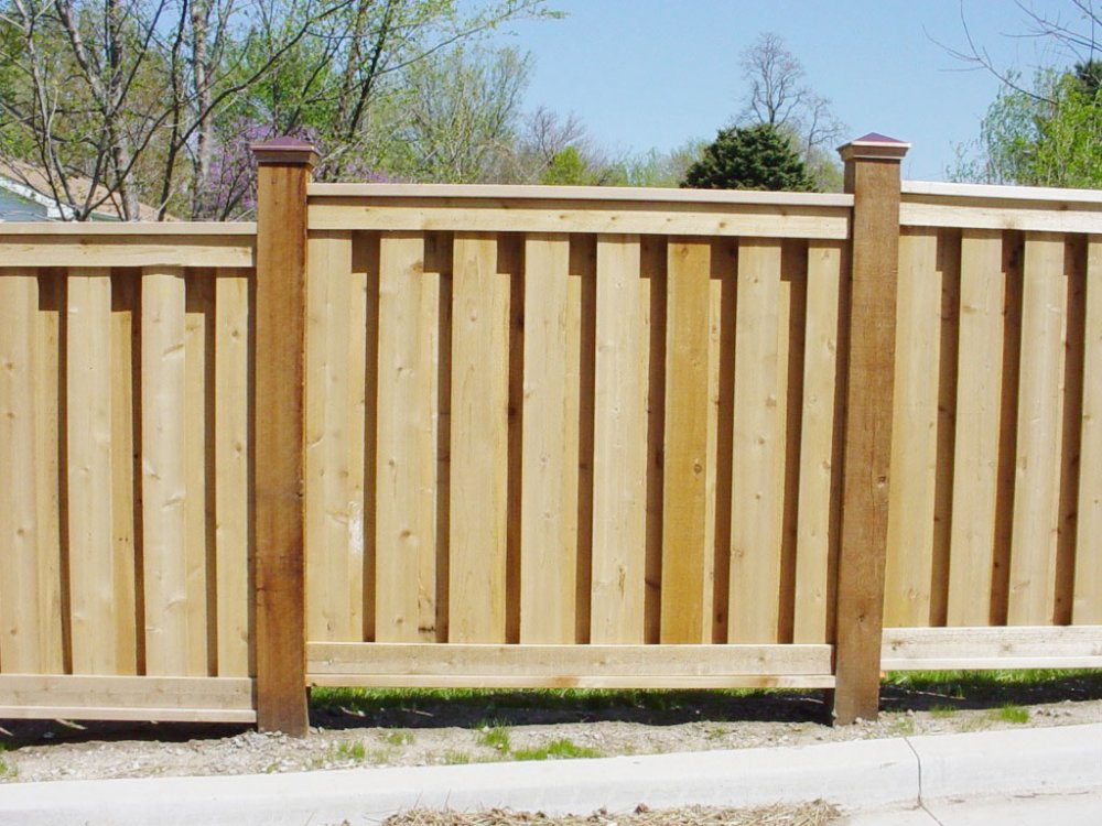 Picture of: Narrow Wood Fence Styles