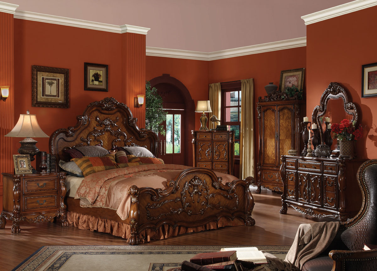 Image of: Nice Traditional Bedroom Sets