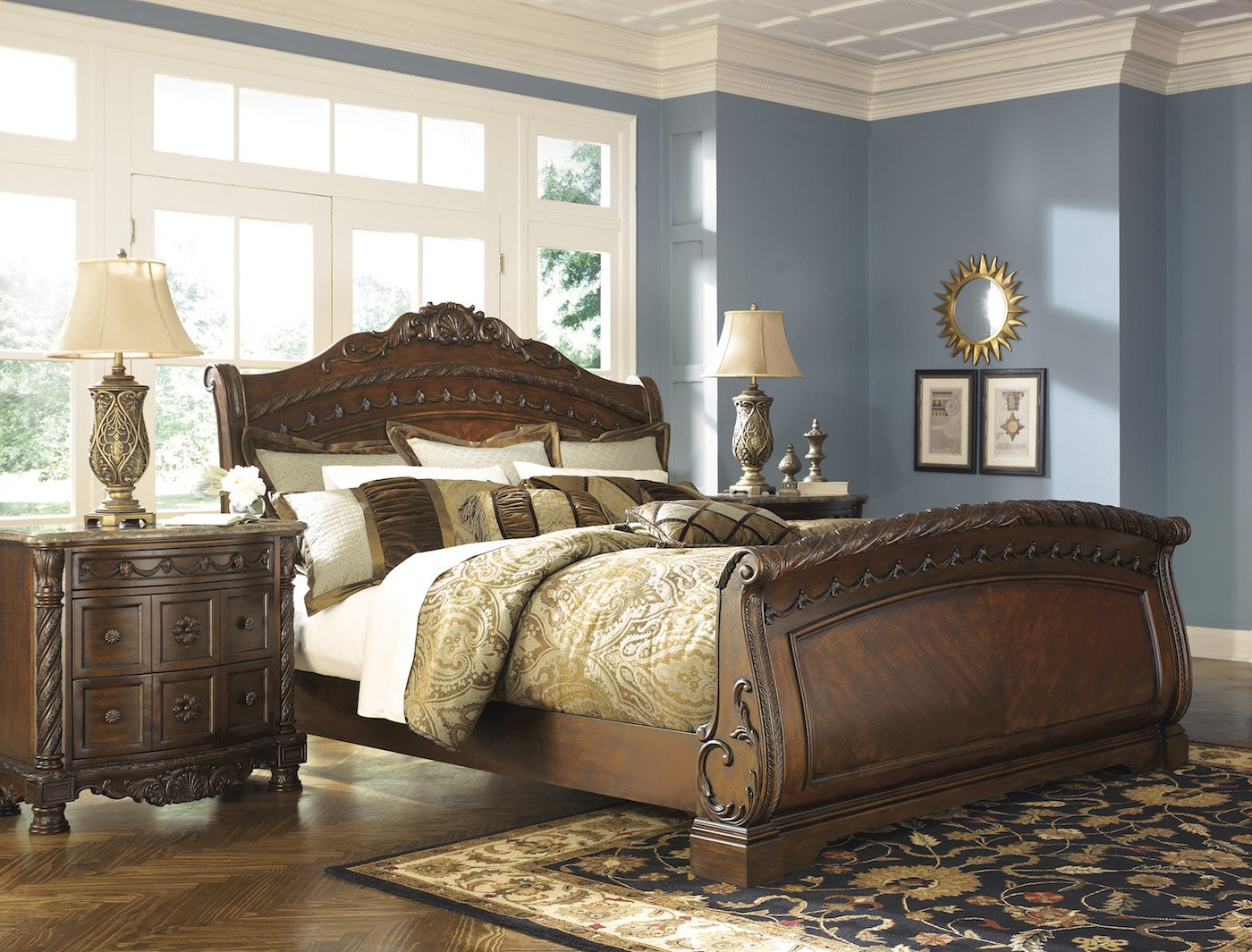 Picture of: North Shore Bedroom Set Theme