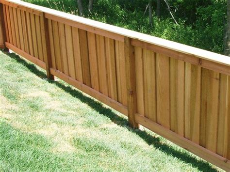 Picture of: Oak 4 Ft Wood Fence