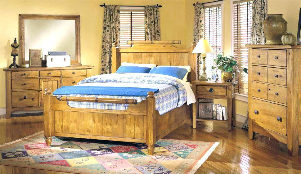 Image of: Old Broyhill Bedroom Set