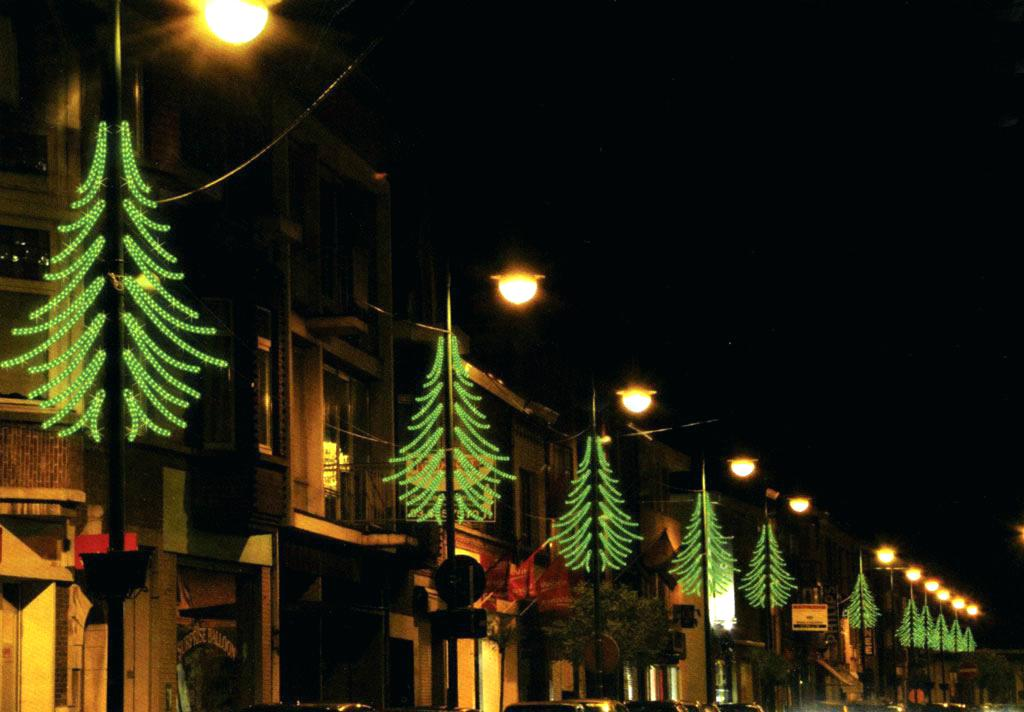 Outdoor Christmas Lamp Post Shapes