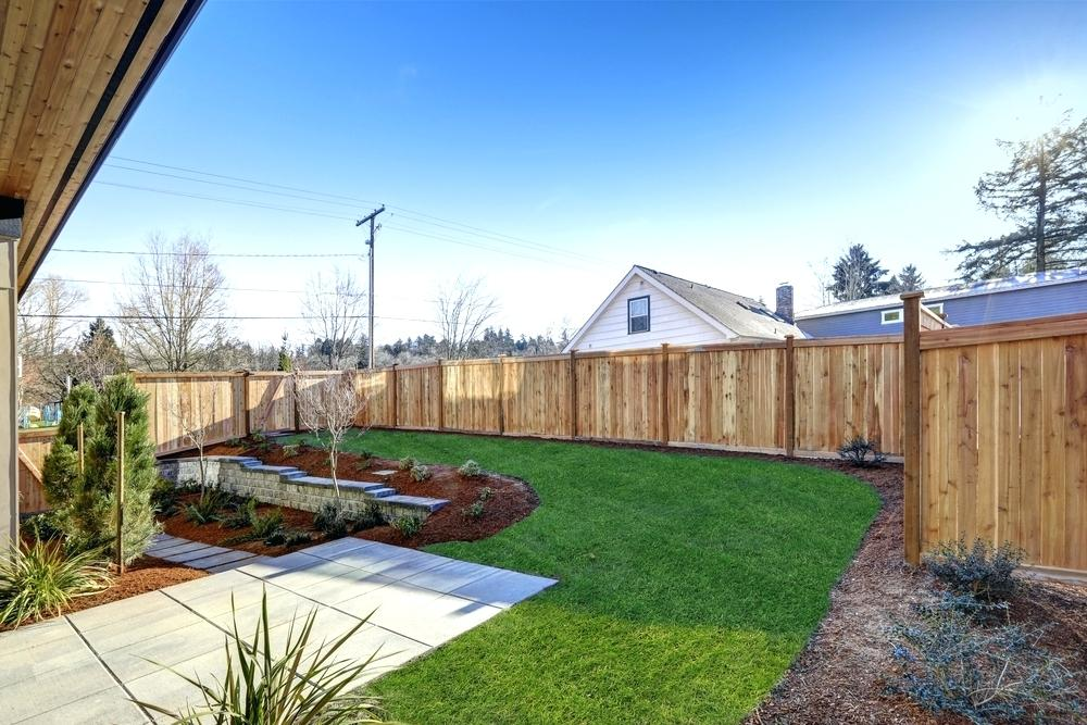 Picture of: Outdoor Fences Cheap