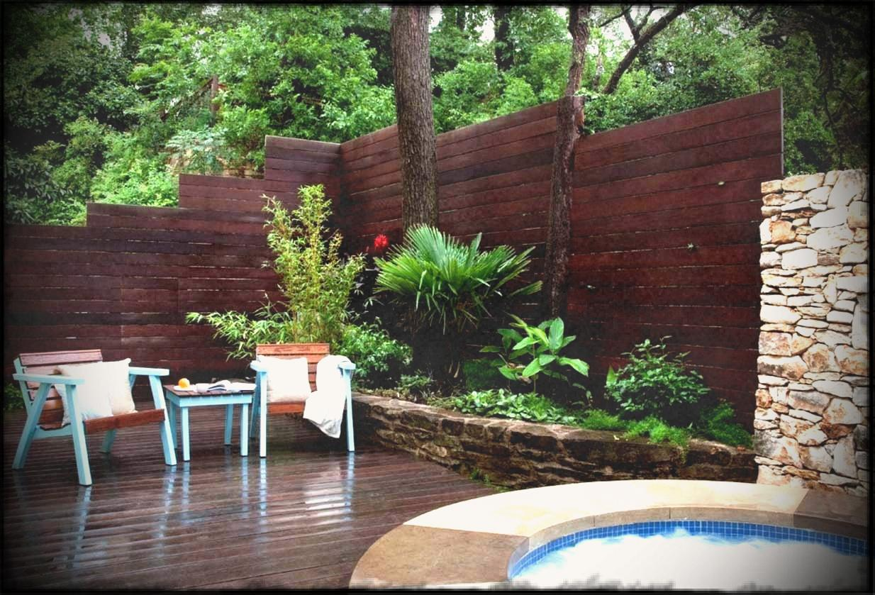 Picture of: Outdoor Fences Corner