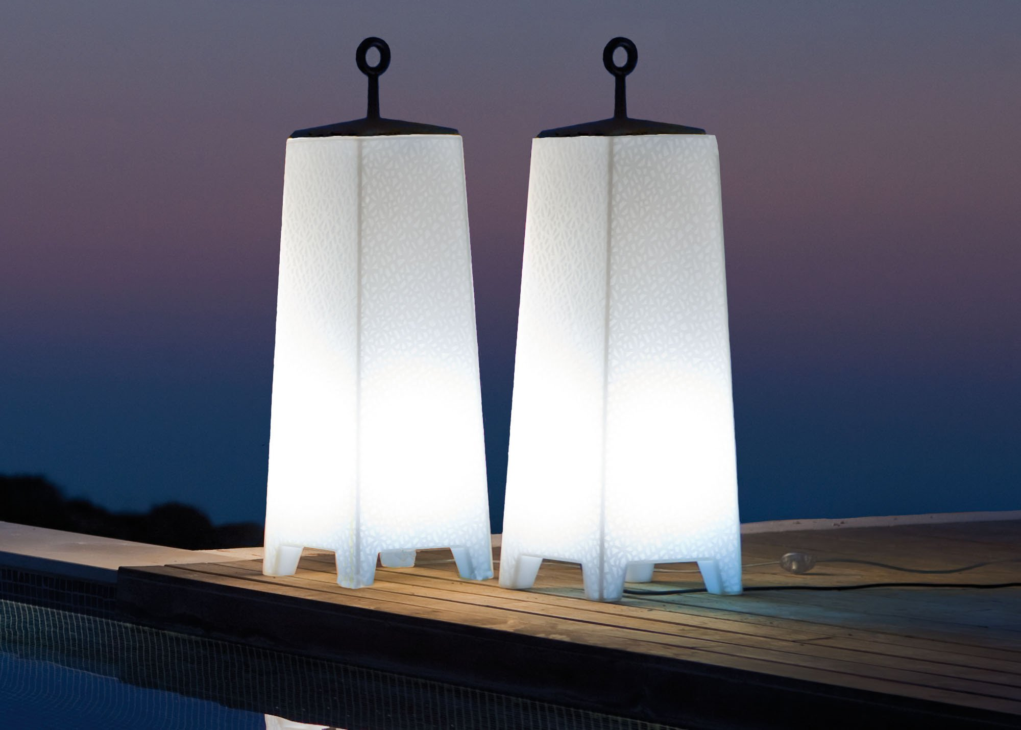 Picture of: Outdoor Lamp Post and Light