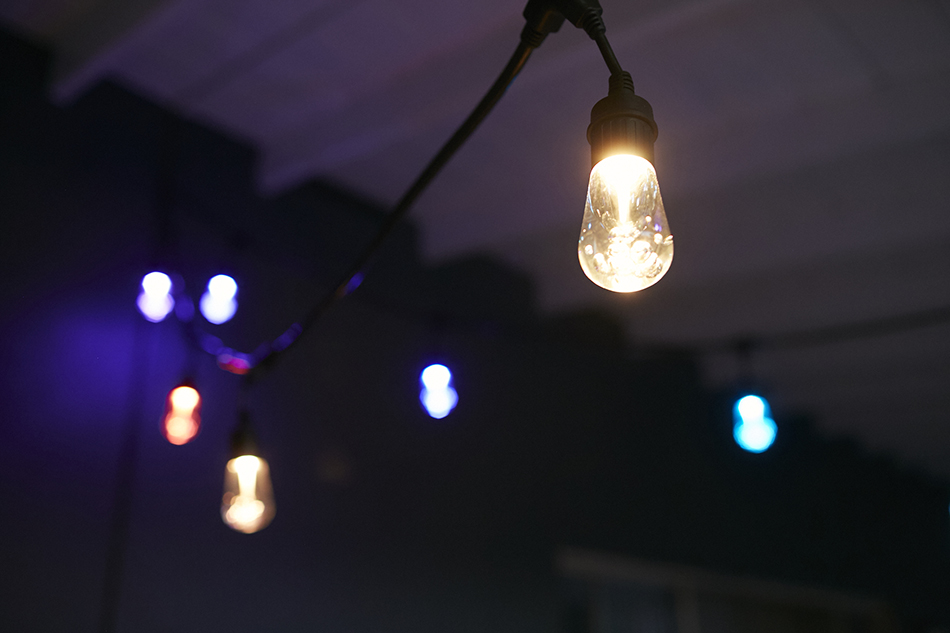 Picture of: Outdoor Led Flood Light Bulbs Hang