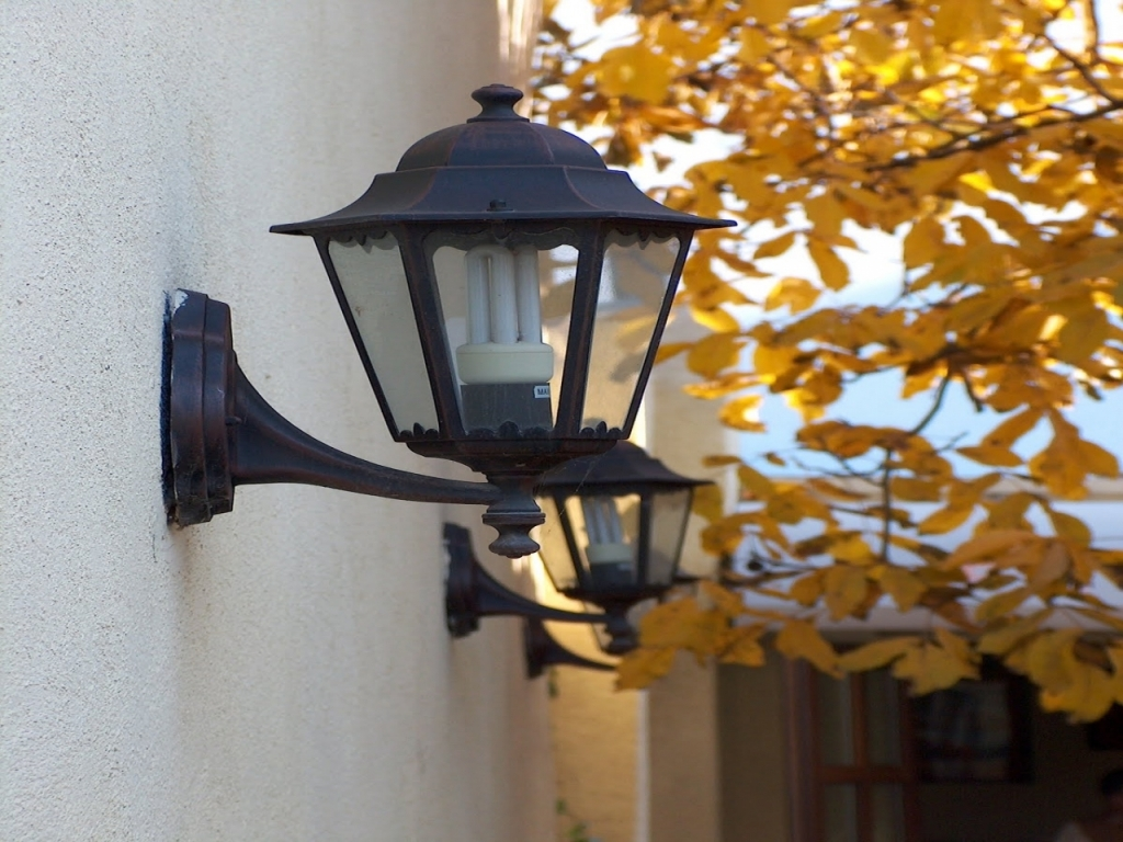 Picture of: Outdoor Led Light Bulbs Exterior