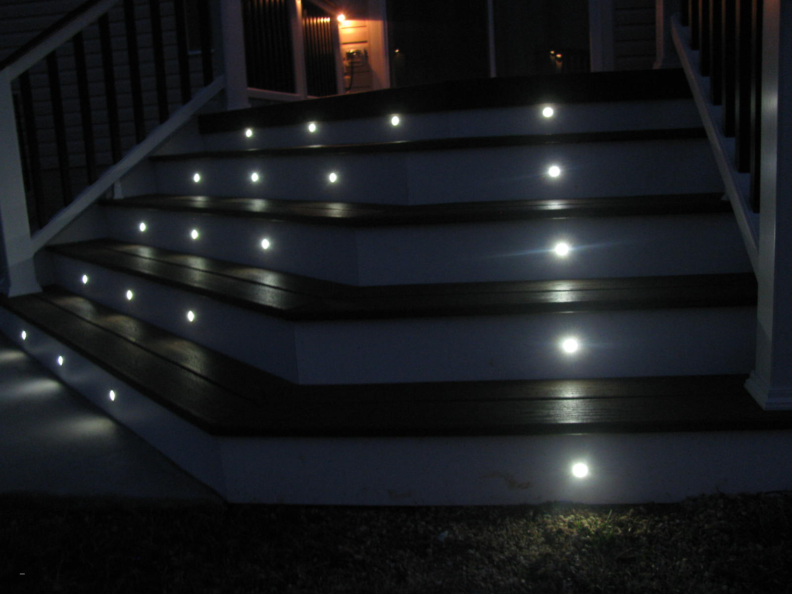 Picture of: Outdoor Led Outdoor Step Lights