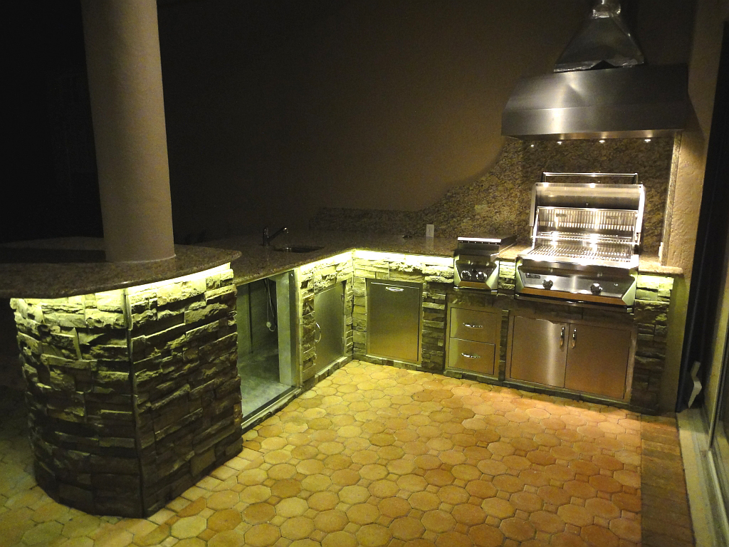 Picture of: Outdoor Led Strip Lights Kitchen