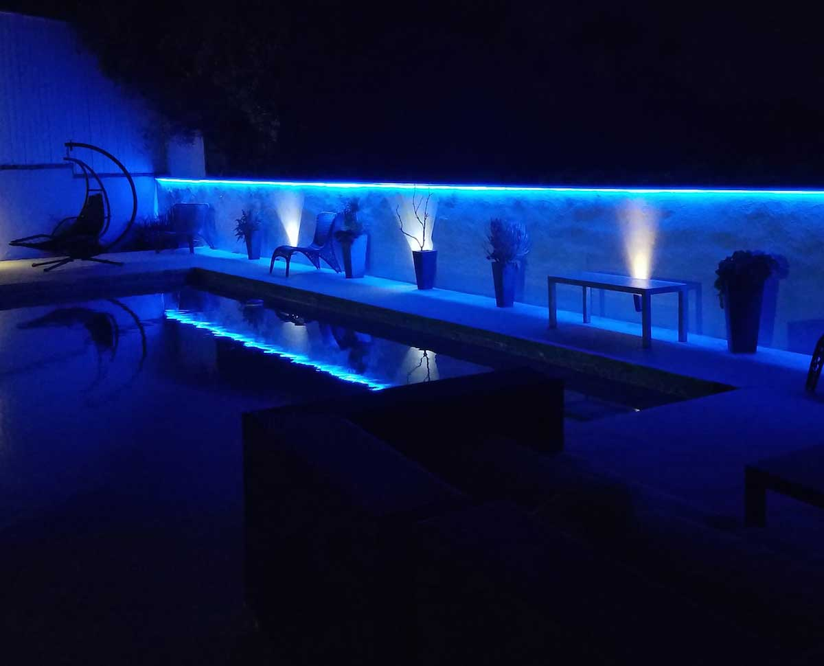 Picture of: Outdoor Led Strip Lights Pool