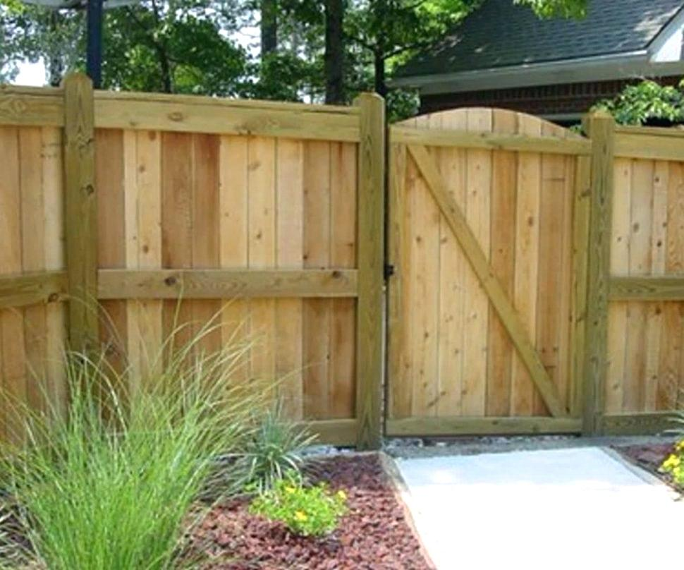 Picture of: Painted Backyard Fence Ideas
