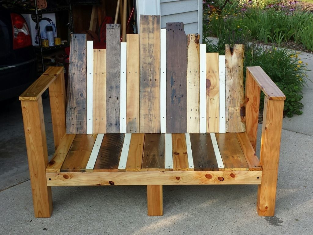 Picture of: Pallet Small Wooden Bench