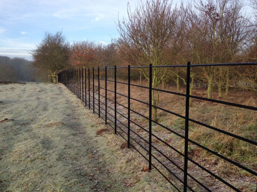 Image of: Park Metal Deer Fencing