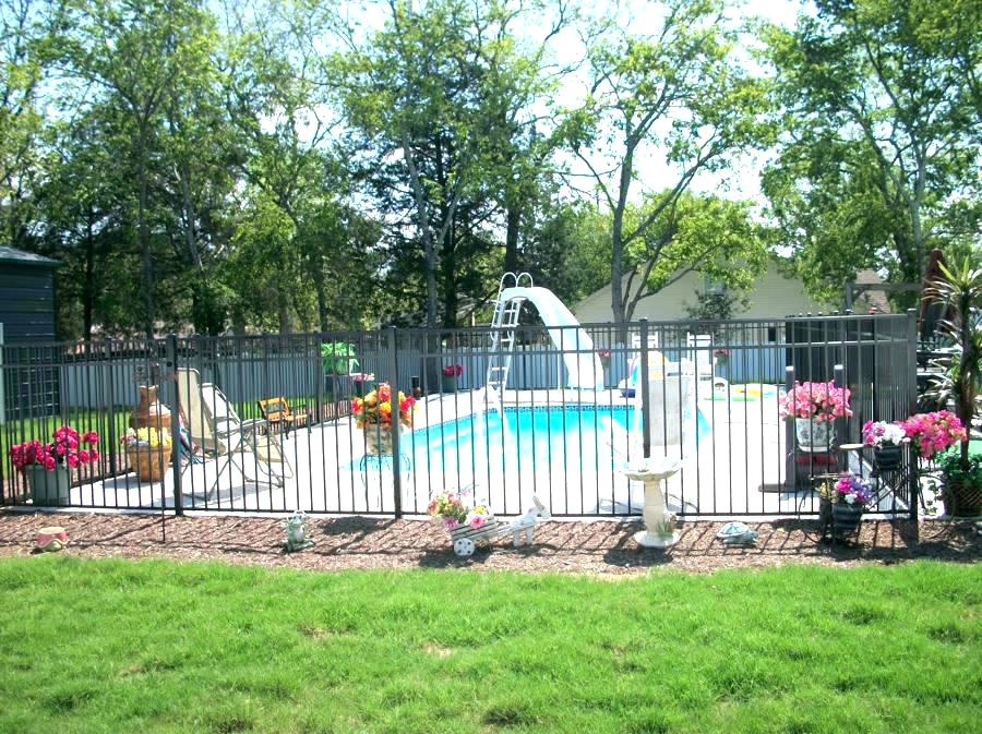 Picture of: Pool Fence Ideas For Above Ground