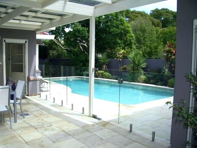 Picture of: Pool Fence Ideas Images