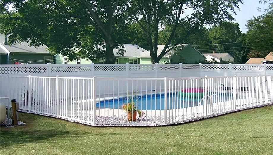 Picture of: Pool Fence Ideas Pictures