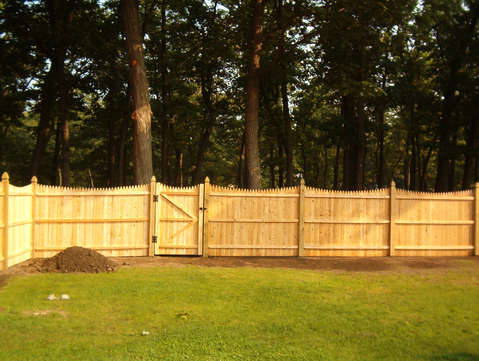 Picture of: Popular Stockade Fence Panels Ideas