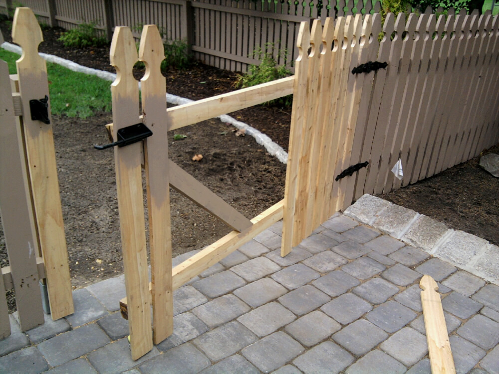 Picture of: Pre Made Fence Panels Material