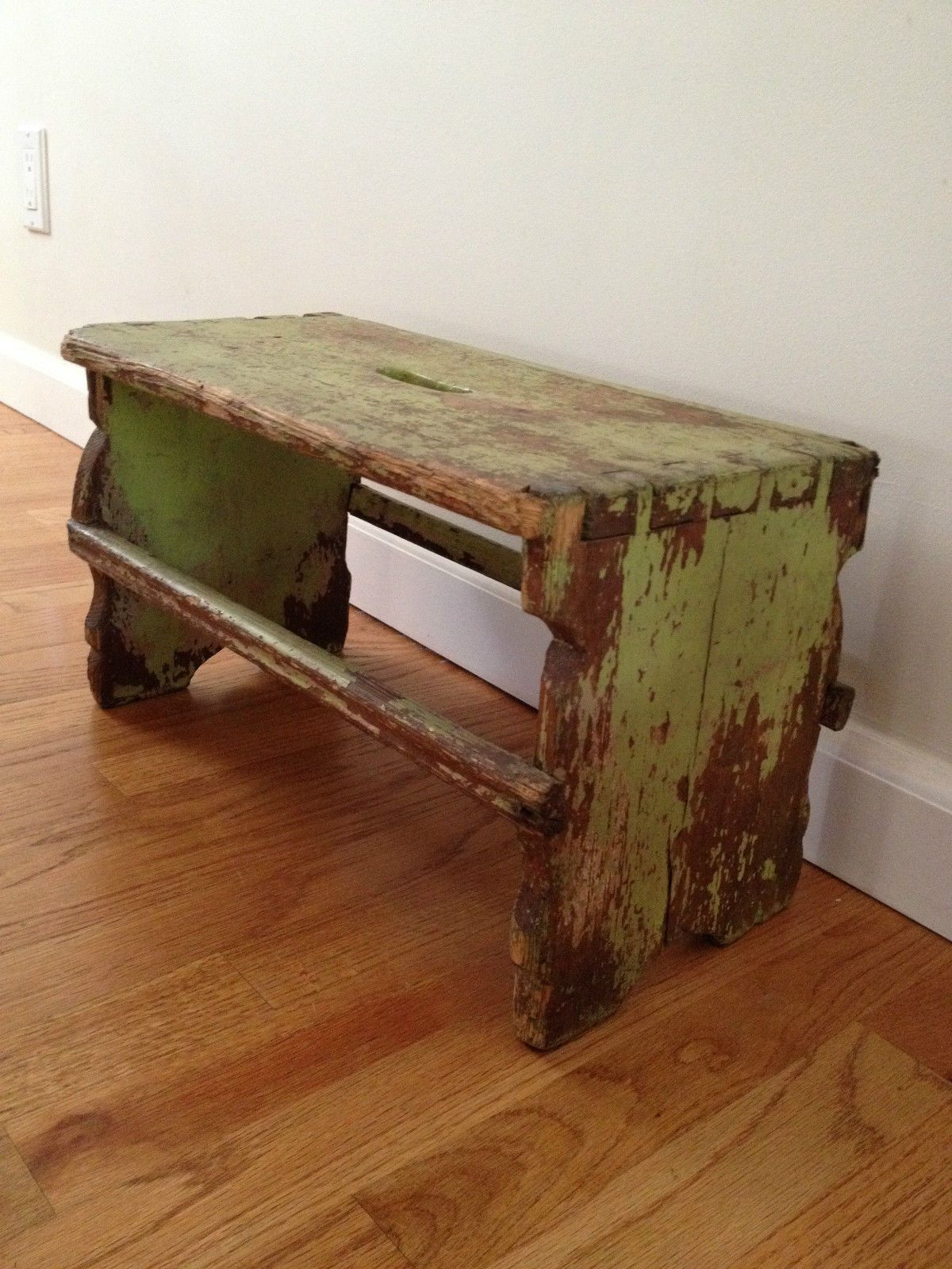 Picture of: Primitive Small Wooden Bench