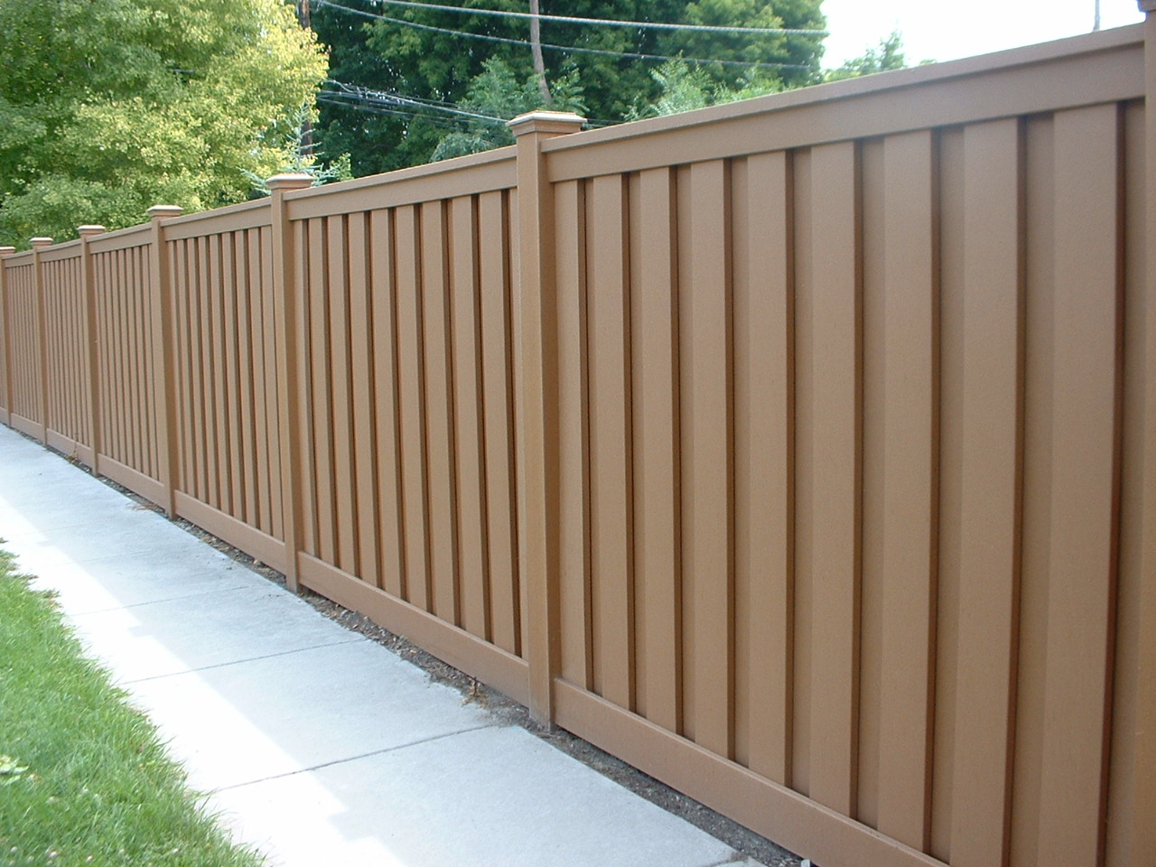 Picture of: Privacy Fence Ideas For Backyard Color