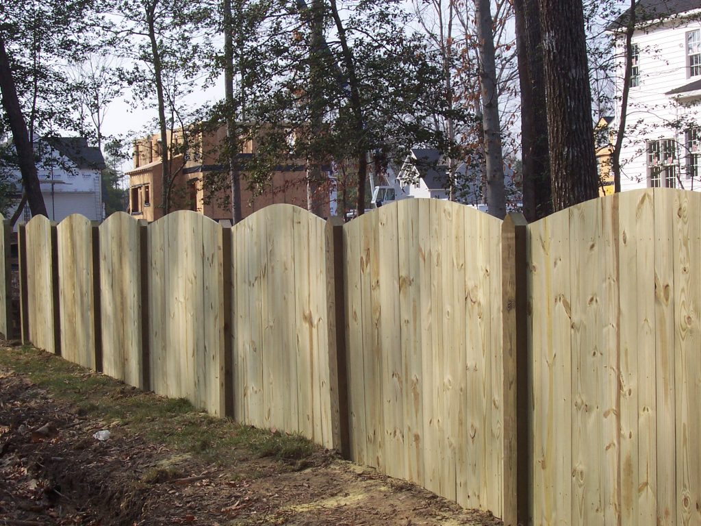 Picture of: Shadow Box Wood Fence Ideas
