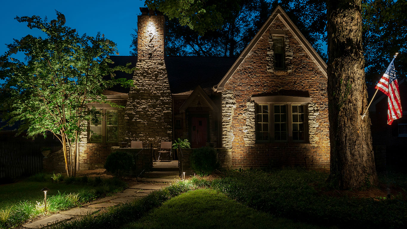 Simple Low Voltage Outdoor Lighting