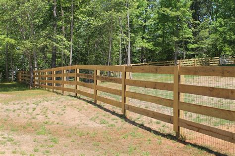 Picture of: Simple Wood Fence Styles