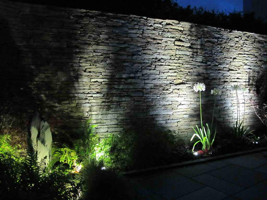 Picture of: Small Outdoor LED Flood Light Fixtures