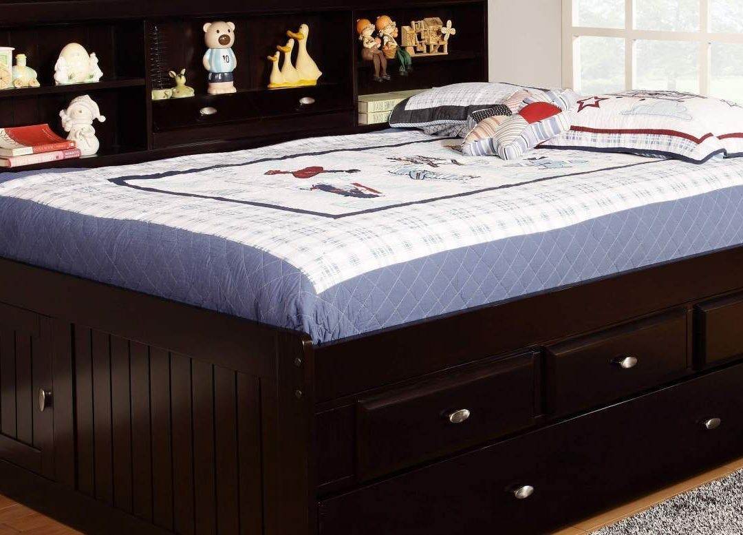 Image of: Small Twin Trundle Bed with Storage