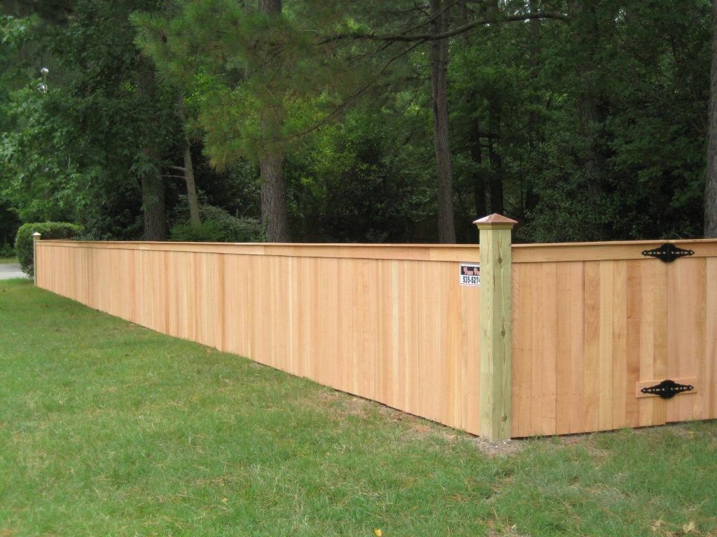 Picture of: Solid 4 Ft Wood Fence