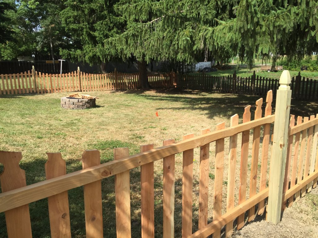 Picture of: Treated Wood Fence Vs Cedar
