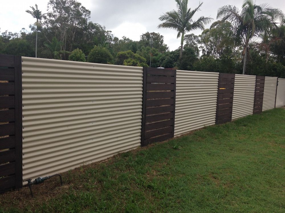 Image of: Use Corrugated Metal Fence