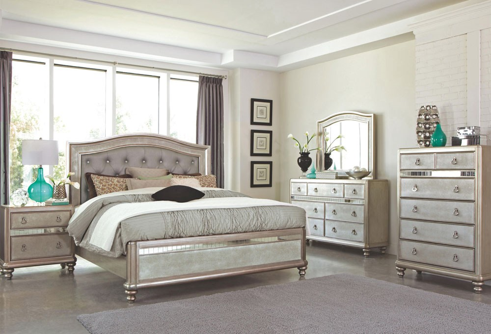Image of: Use Mirror Bed Set