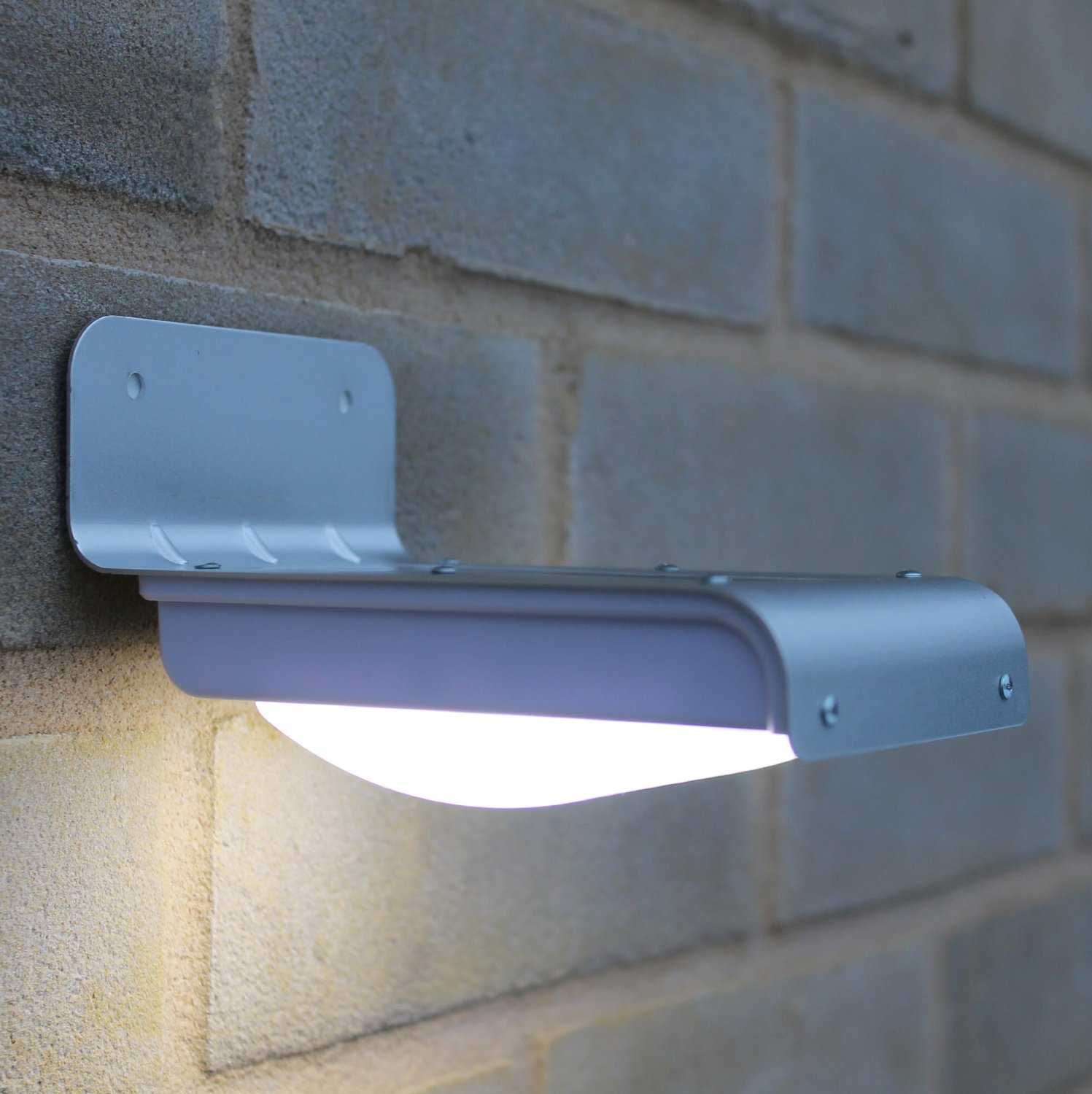 Picture of: Use Motion Sensor Light Bulb Outdoor