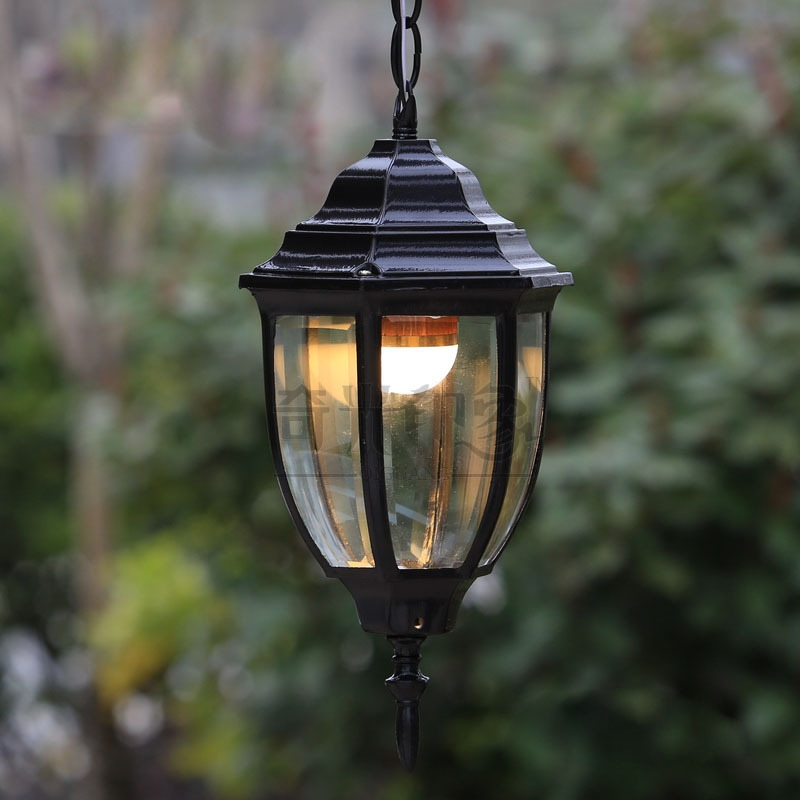 Picture of: Vintage Outdoor Lighting Stand