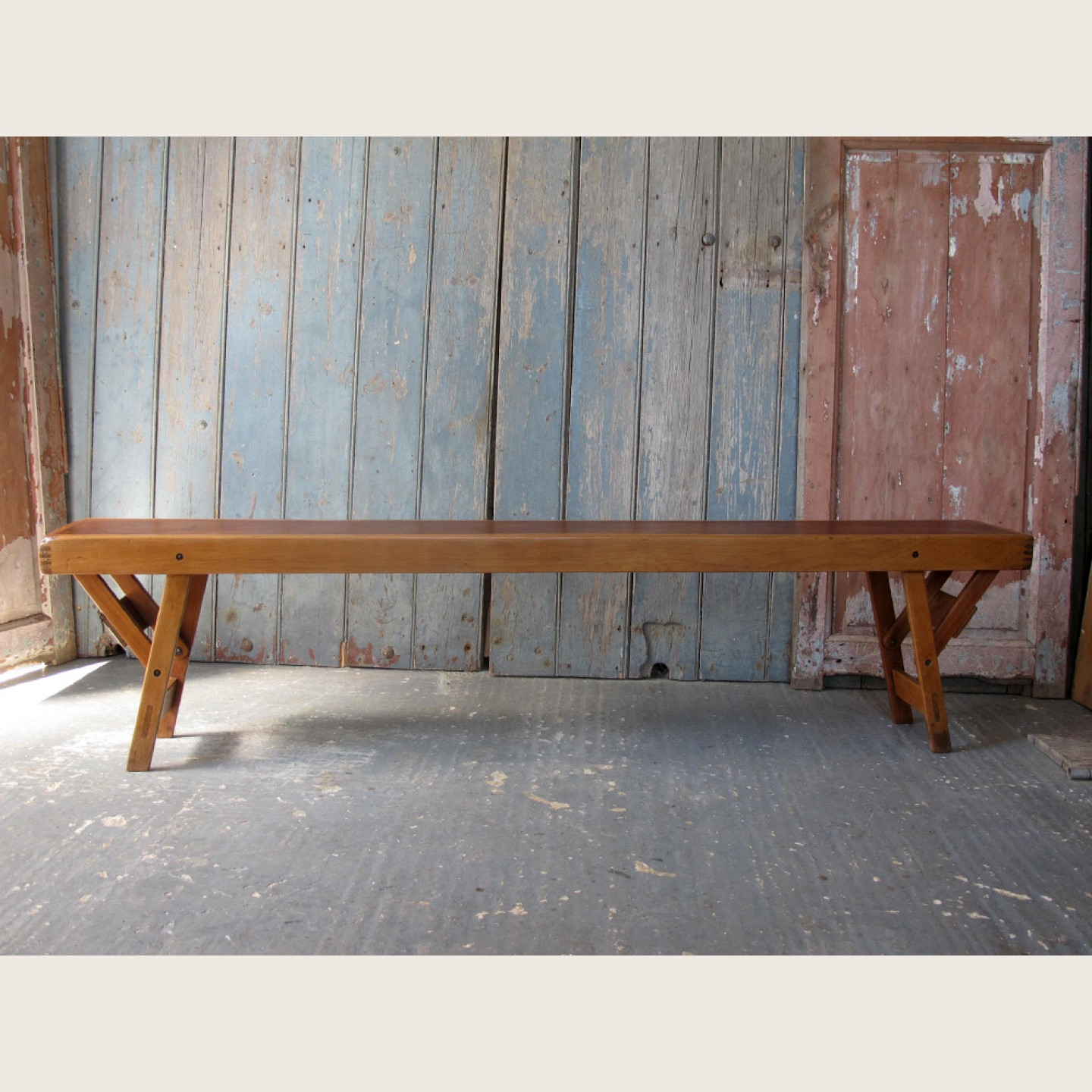 Image of: Vintage Wooden Bench Simple